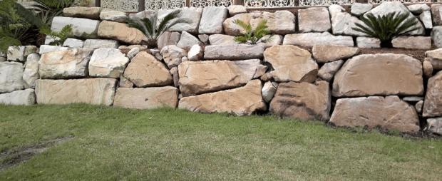 rock retaining walls canberra